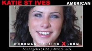 Vea nuestro video casting de Katie St Ives.  Erótico reunión beween Pierre Woodman y Katie St Ives, una chica americana.